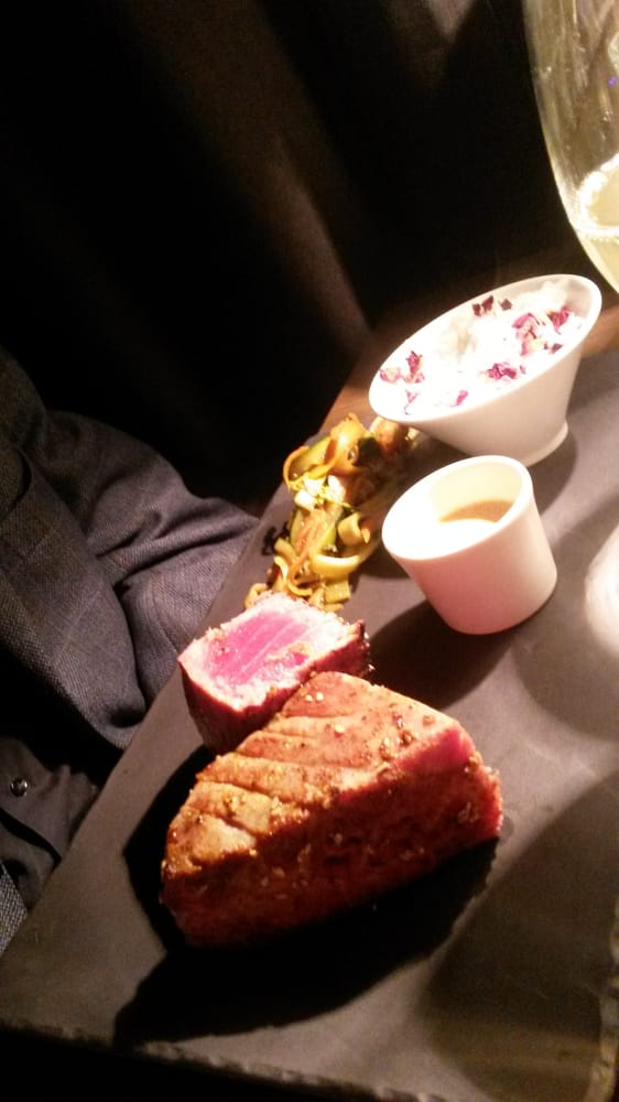 thon rouge mi cuit en croute sesame yelp. Black Bedroom Furniture Sets. Home Design Ideas