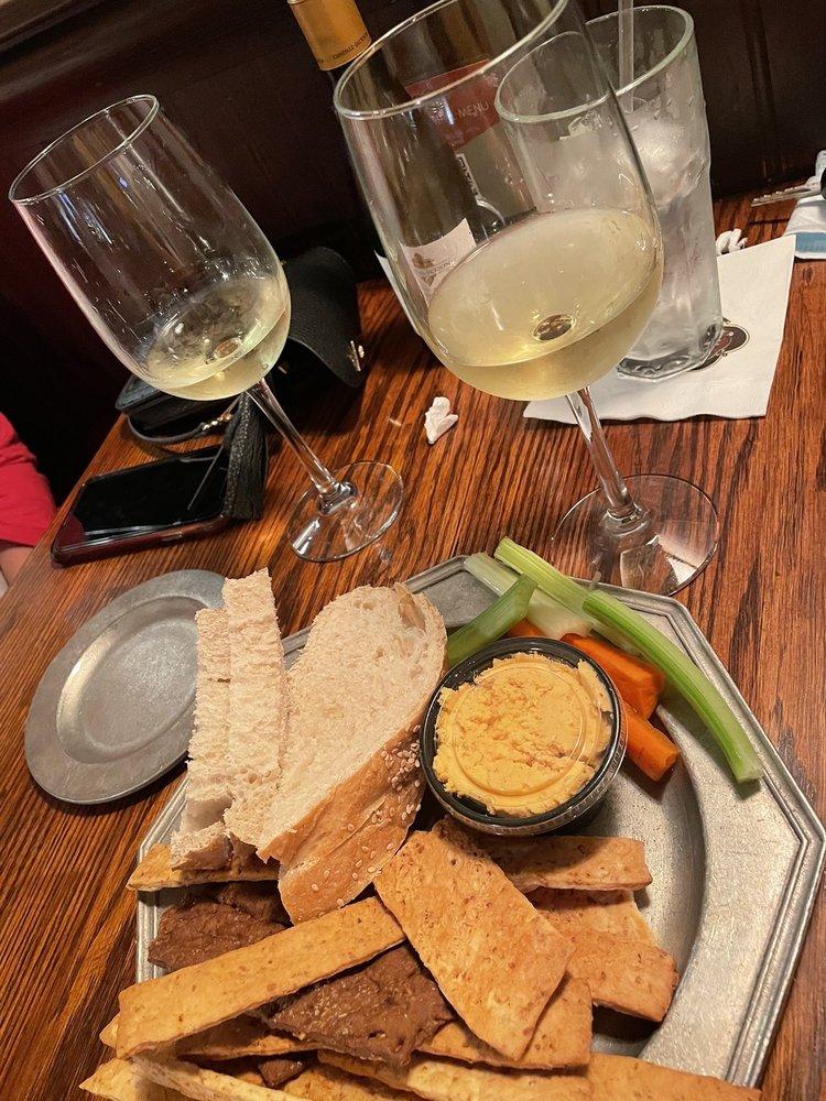 Schuler's Restaurant & Pub: 115 S Eagle St, Marshall, MI