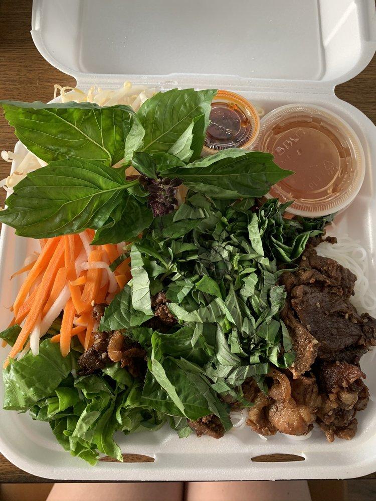 Family Restaurant Pho & Banh Mi: 1427 Avenue D, Snohomish, WA