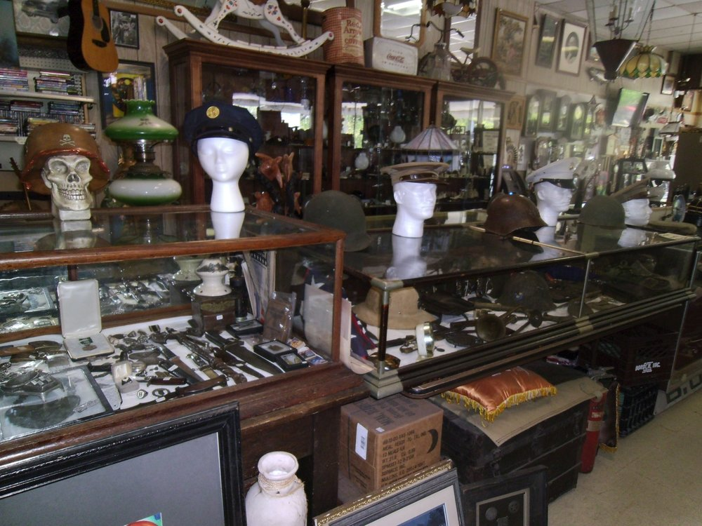 Second Chances Antique Gallery: 2502 Mahoning Ave NW, Warren, OH