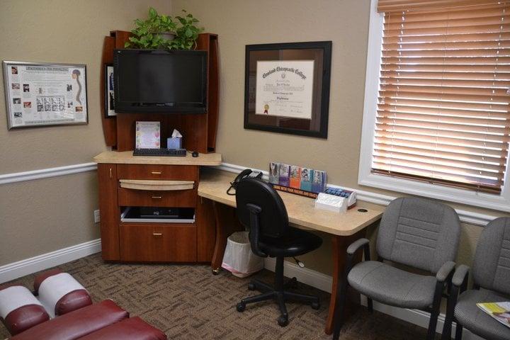 Mills Chiropractic Center: 115 Belmont S, Kittanning, PA