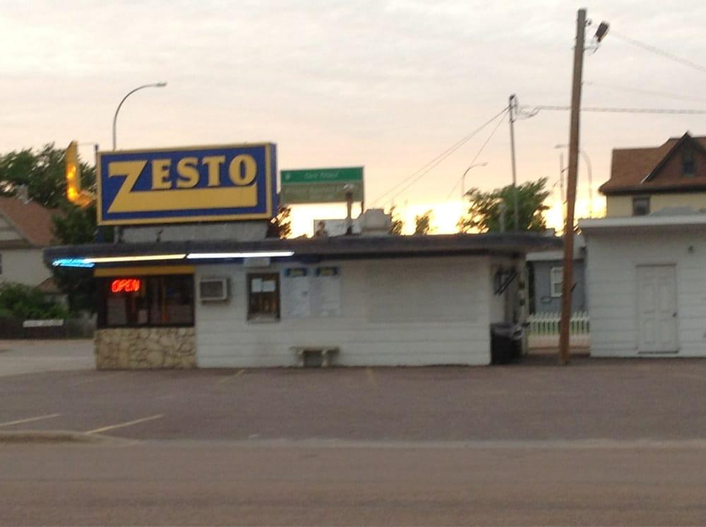 Zesto: 212 W 1st Ave, Mitchell, SD