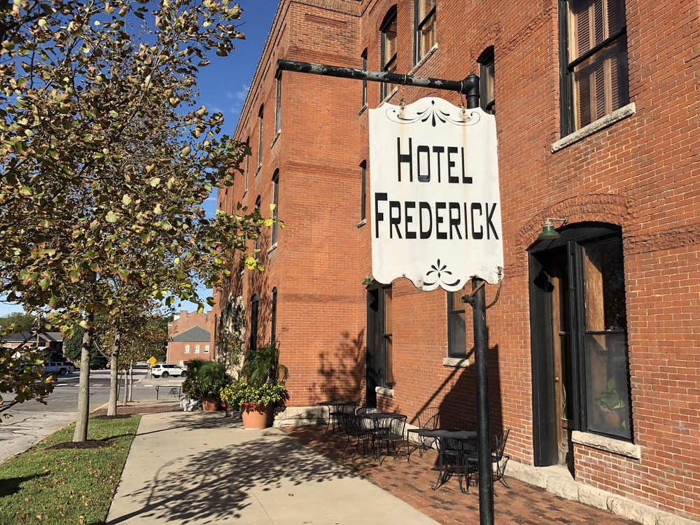 Hotel Frederick: 501 High St, Boonville, MO