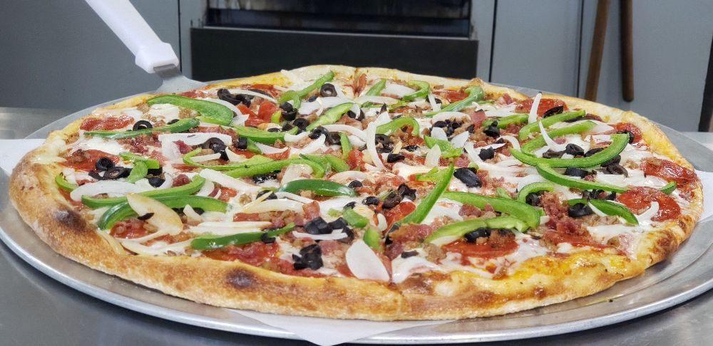 Lepoma's Pizzeria: 3500 GA-34, Sharpsburg, GA