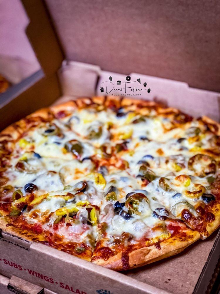 Angela-Mia Pizza: 15811 Euclid Ave, Cleveland, OH