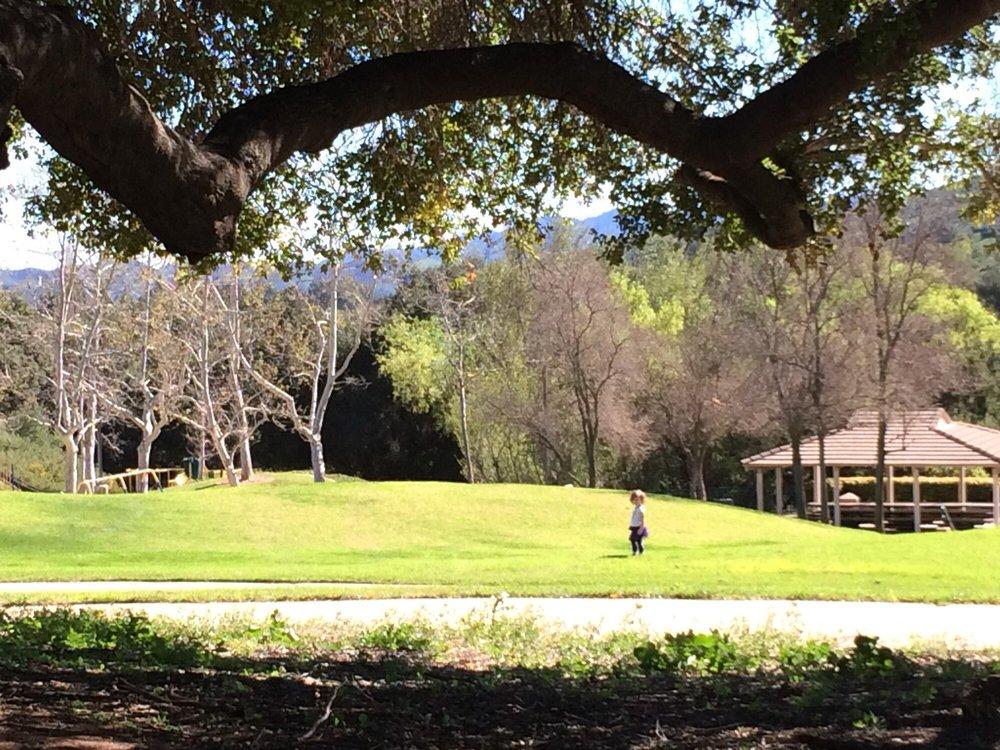 Oak Park Splash Pad: 5600 Hollytree Dr, Oak Park, CA