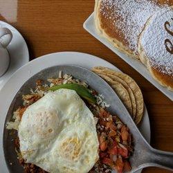 1 Eggsclusive Cafe