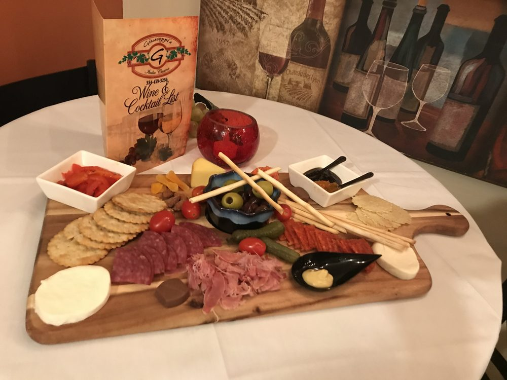 Giusseppi's Italia Cucina: 2215 US Hwy 231, Wetumpka, AL