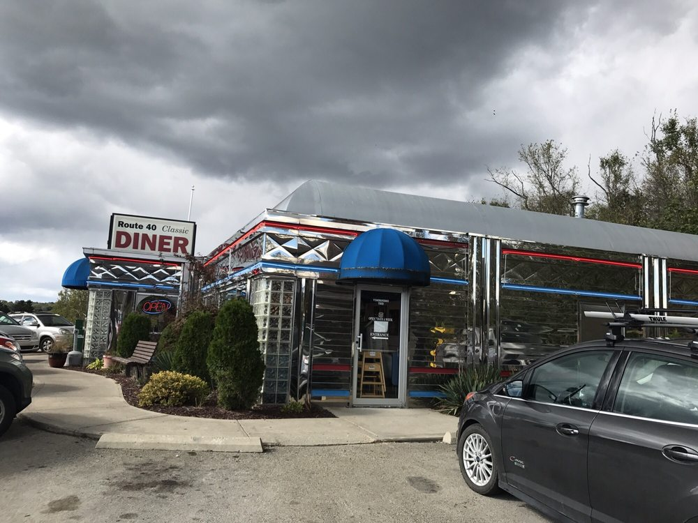 Route 40 Classic Diner: 6229 National Pike, Grindstone, PA