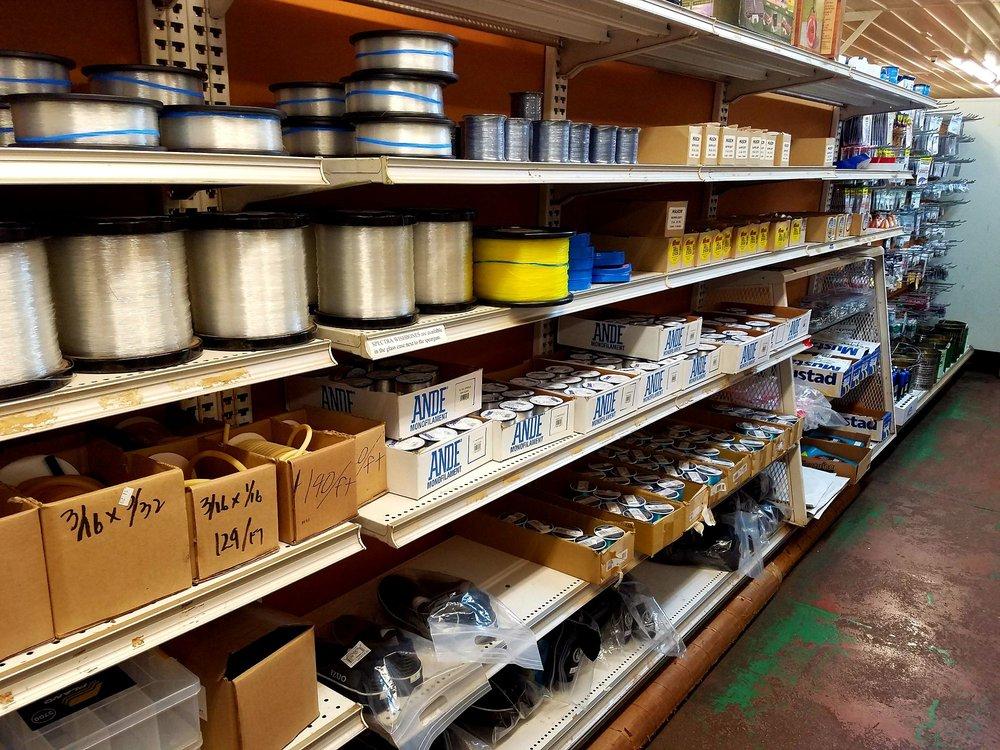 Pine Isle Market: 356 8th St, Lanai City, HI