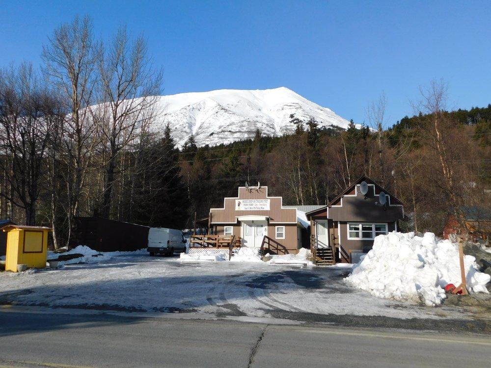 Moose Drop-In Trading Post: 35105 Seward Hwy, Moose Pass, AK