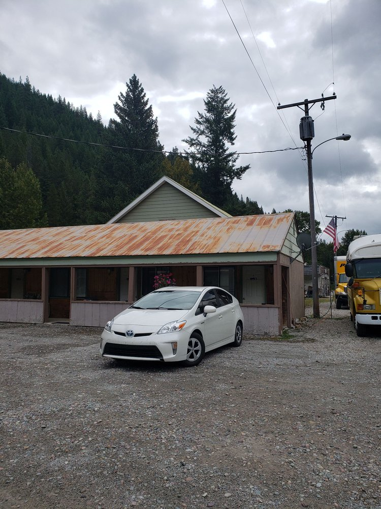 Mangold General Store & Motel: 7 Frontage Rd W, Saltese, MT