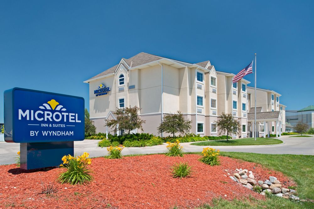 Microtel Inn & Suites by Wyndham Council Bluffs: 2141 South 35th St, Council Bluffs, IA