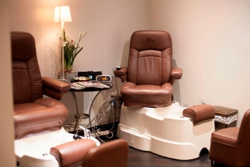 J Michael's Spa and Salon: 4121 Shelbyville Rd, Louisville, KY
