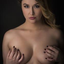 Model Hooker France agency