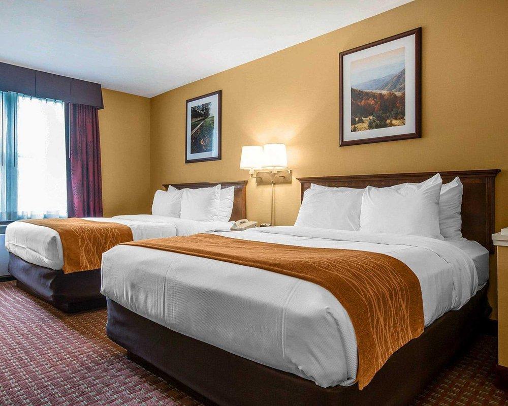 Comfort Inn & Suites Near Burke Mountain: 703 US Route 5 South, Saint Johnsbury, VT