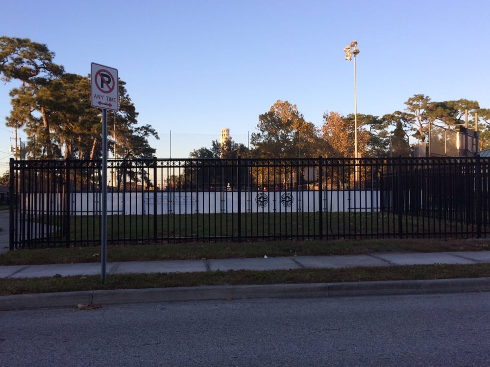 Tom Oliver Memorial Hockey Rink: 7701 N Florida Ave, Tampa, FL