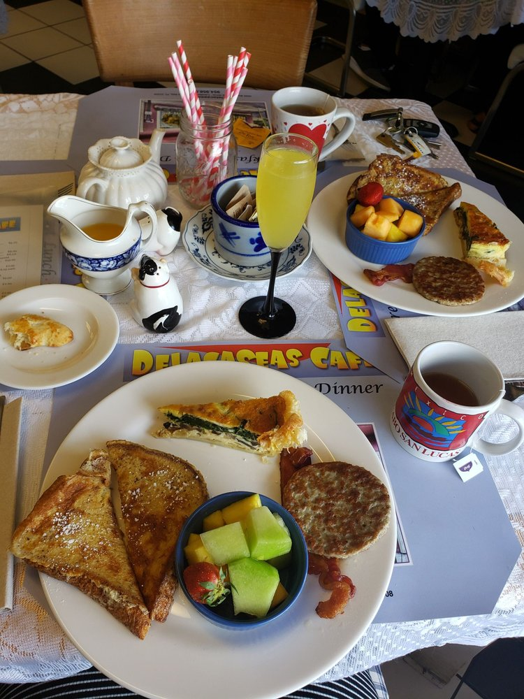 Delacaseas Catering & Cafe