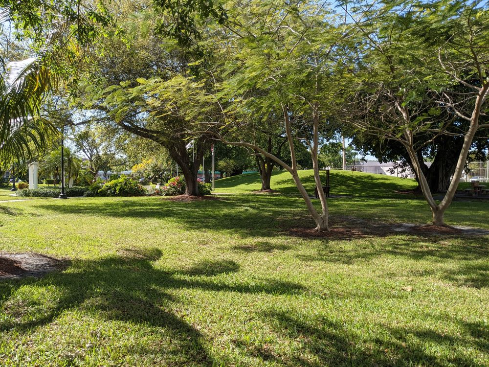 Civic Park: 162 Royal Palm Ave, Clewiston, FL