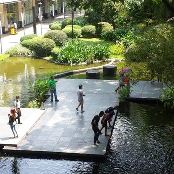 Greenbelt park 21 photos 10 reviews parks makati for Koi pond quezon city