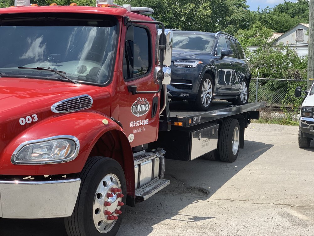 Towing business in Nashville, TN