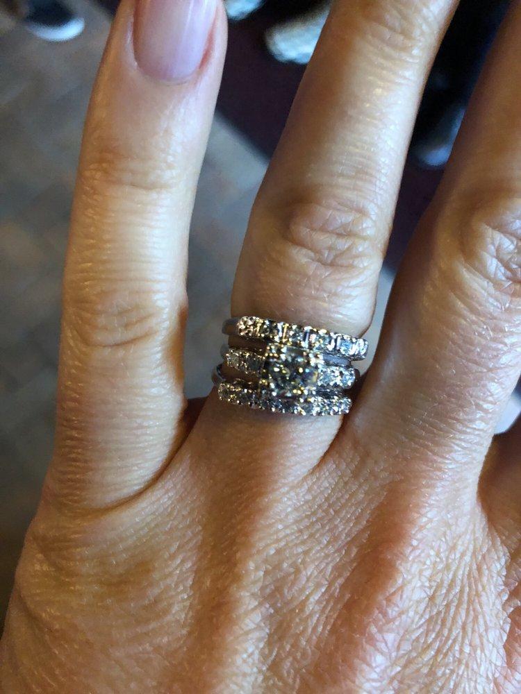 Robert Fine Jewelry: 71 Fuller Rd, Albany, NY