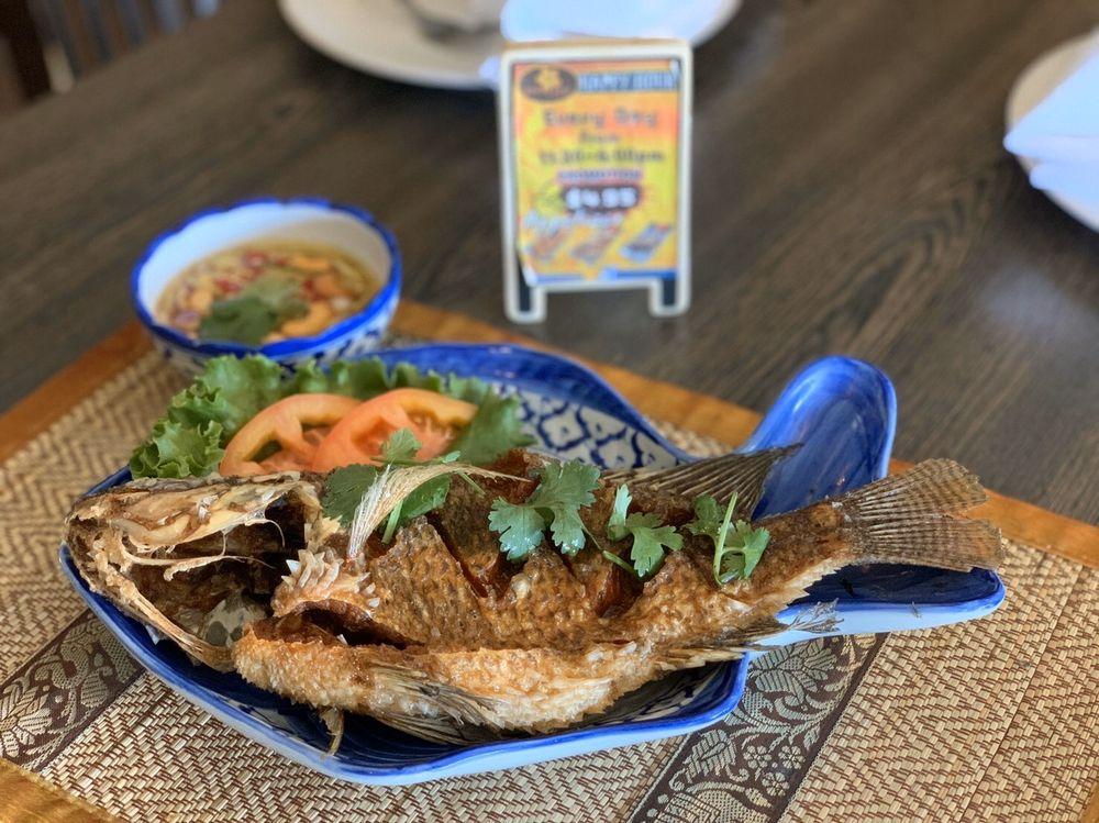 Koon Thai Kitchen: 4743 Clayton Rd, Concord, CA