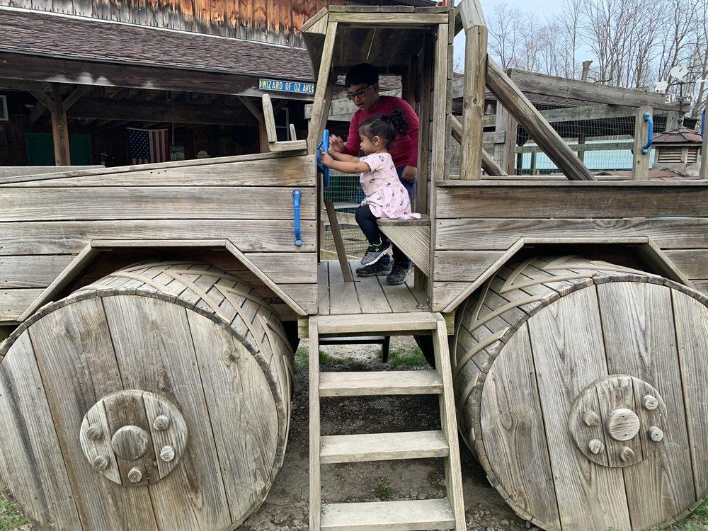 Farmland Animal Park: 940 Wyncoop Creek Rd, Chemung, NY