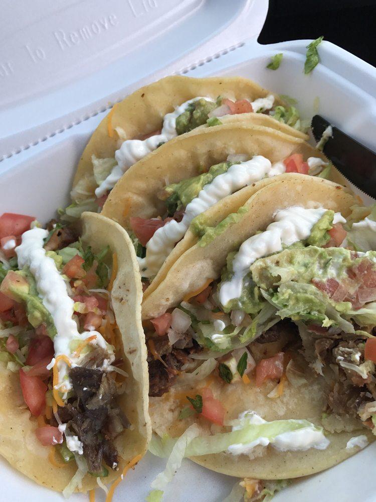Taco Rey Coliman: 7 Pleasant St, Gardner, MA