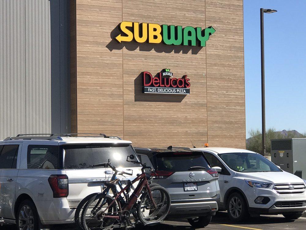 Mama DeLuca's Pizza: 3006 S Butterfield Trl, Gila Bend, AZ