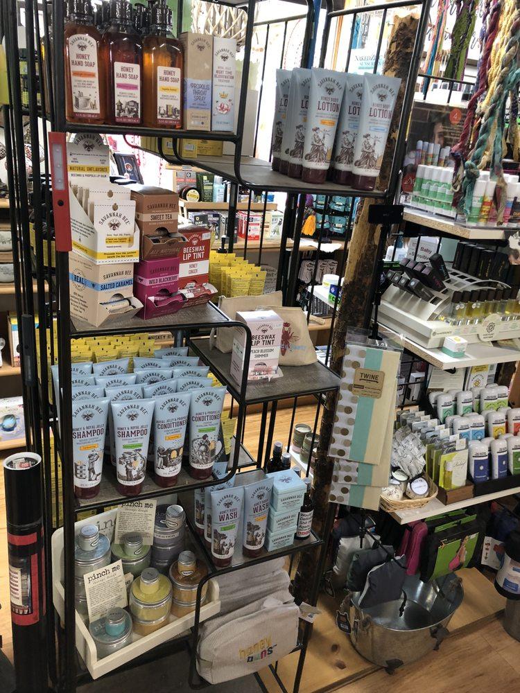 Medora Convenience Store: 200 Pacific Ave, Medora, ND