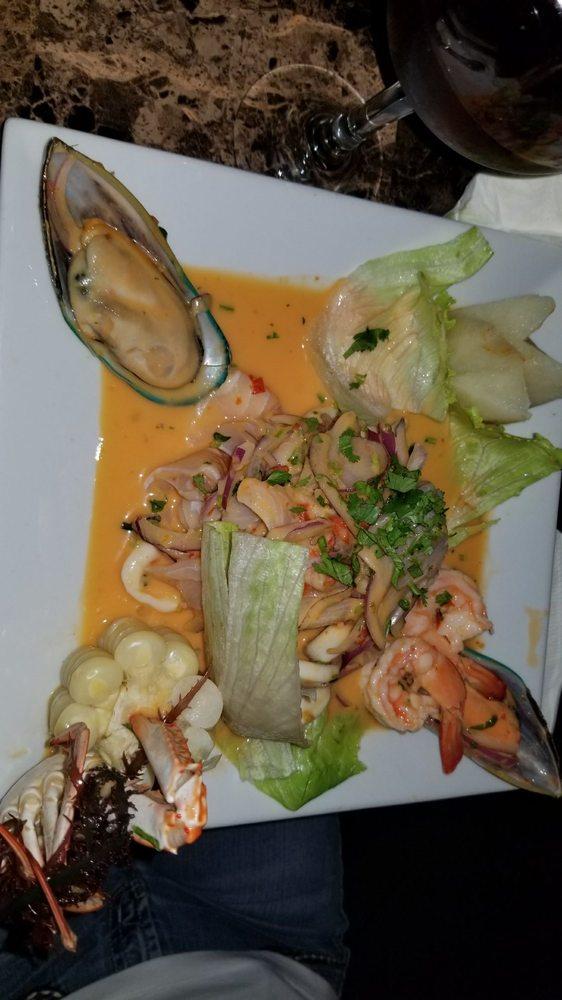 Lena Y Carbon Restaurant Lounge Gloria   201 Market St, Paterson, NJ, 07505   +1 (973) 279-0429