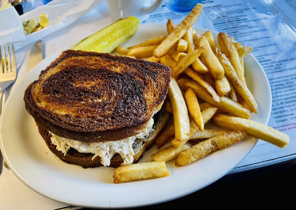 Norm's Diner: 171 Bridge St, Groton, CT