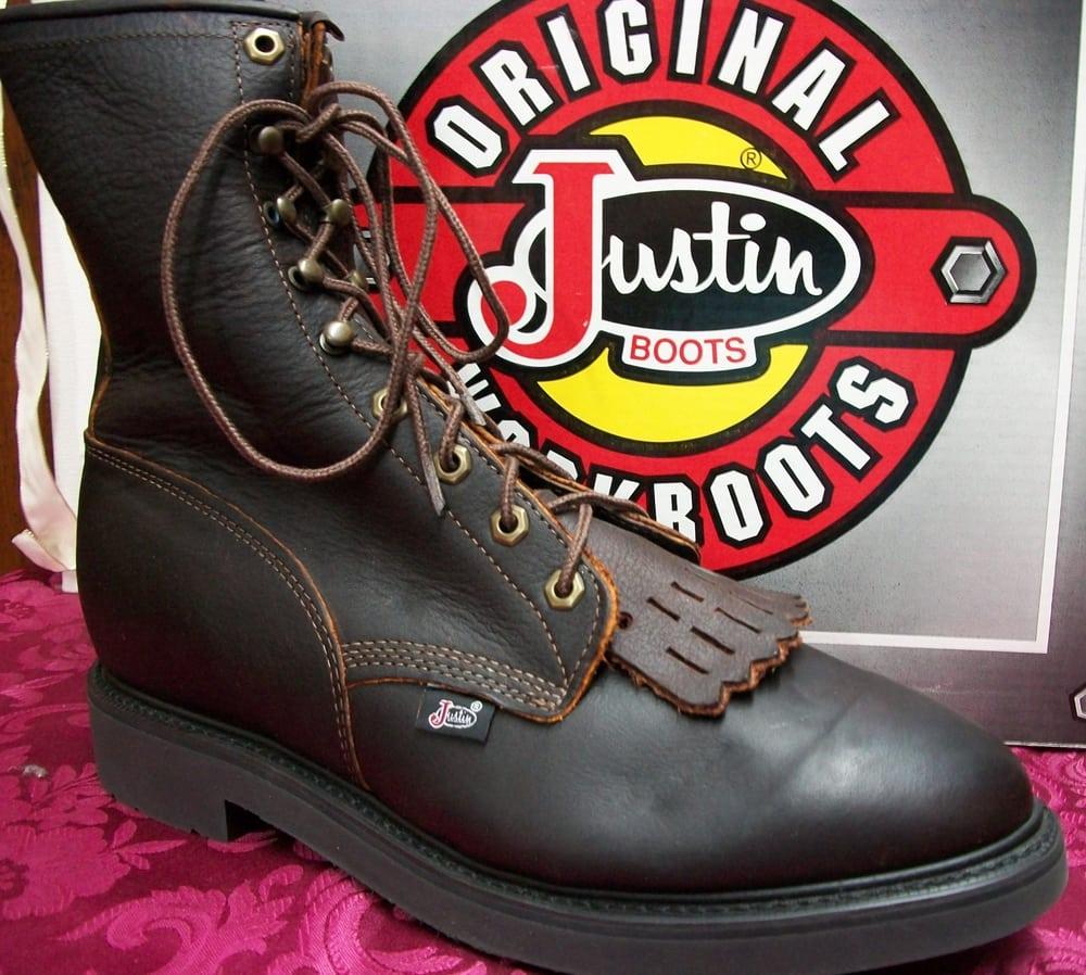 Johnny's Shoe Store: 1055 US Highway 23 S, Weber City, VA