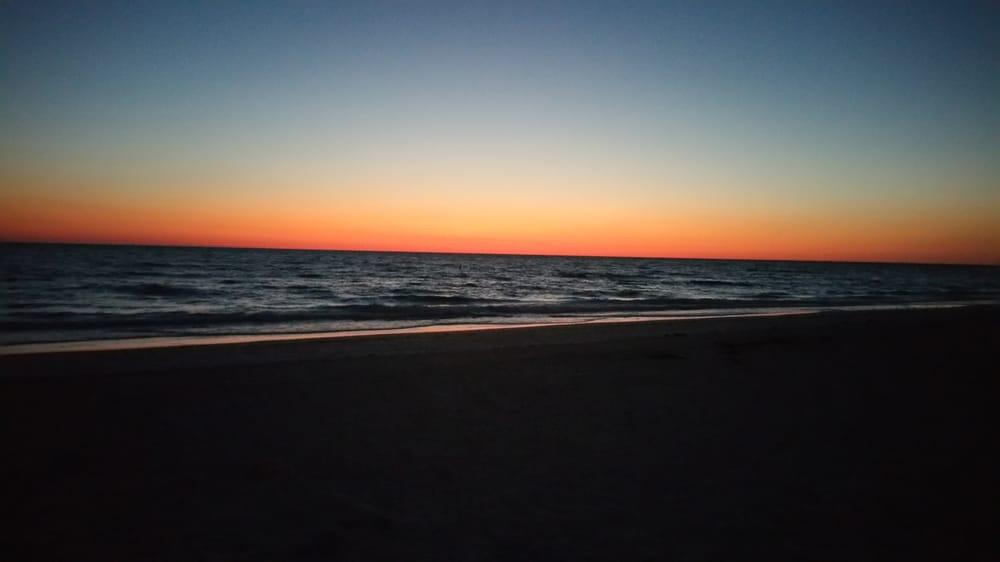 AG Casa Marina: 2318 Gulf Dr N, Bradenton Beach, FL