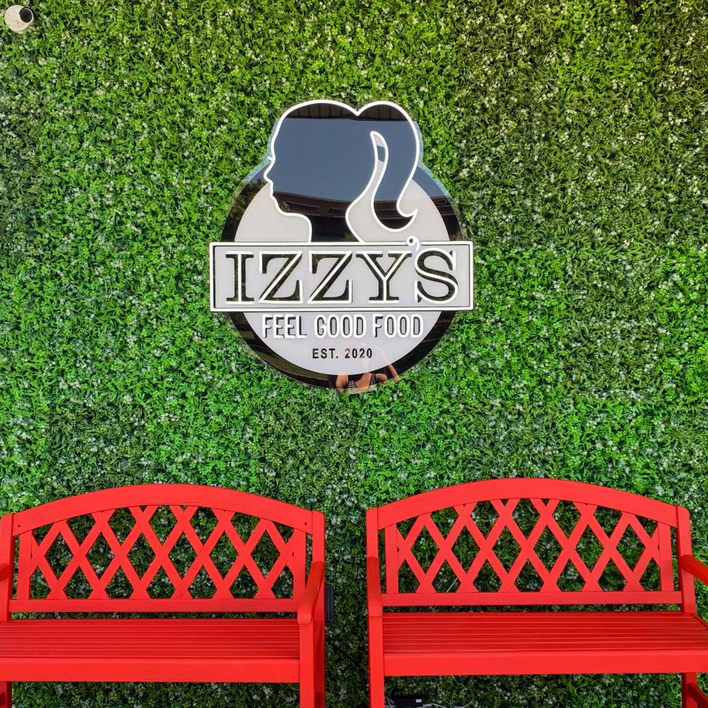 Izzy's Feel Good Food: 901 Columbia Ave, Franklin, TN