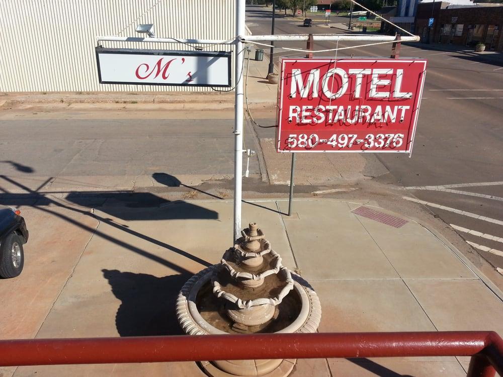 M's Motel: 102 N Cearlock Ave, Cheyenne, OK
