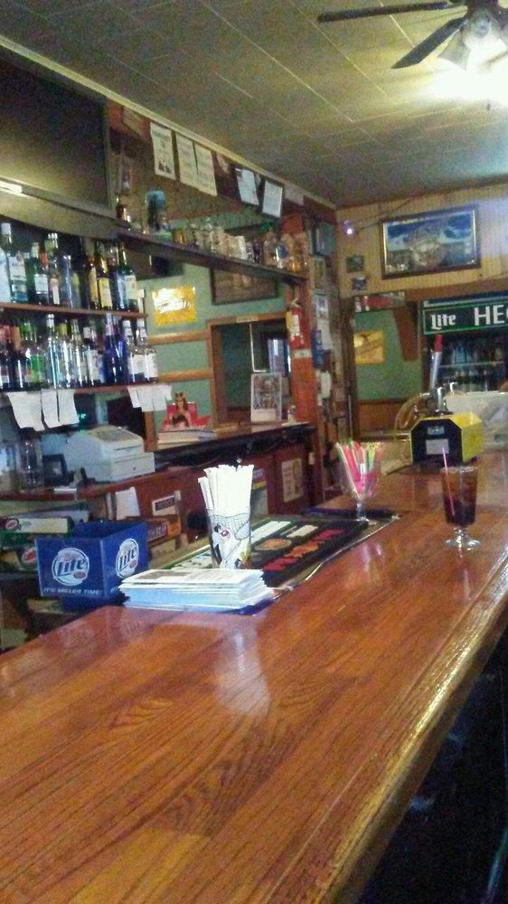 Hegins Inn: 673 E Main St, Hegins, PA
