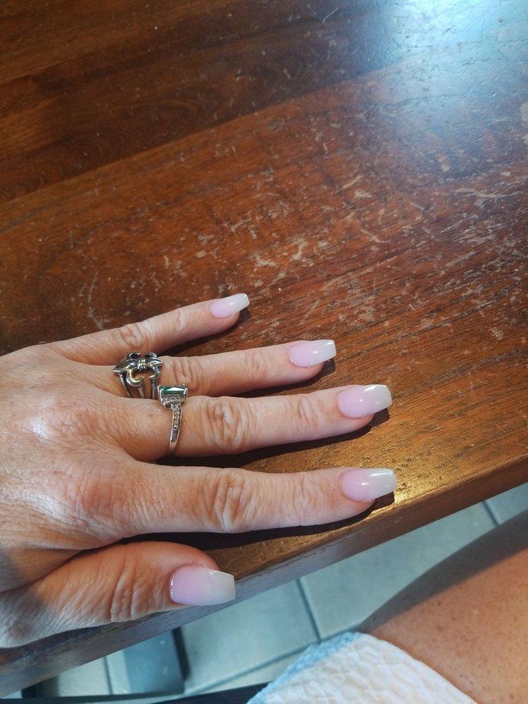 La Petite Nails: 3539 Ambassador Caffery Pkwy, Lafayette, LA