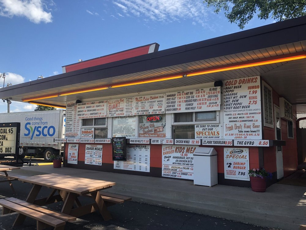 The Stand: 700 6th St SW, Chisholm, MN