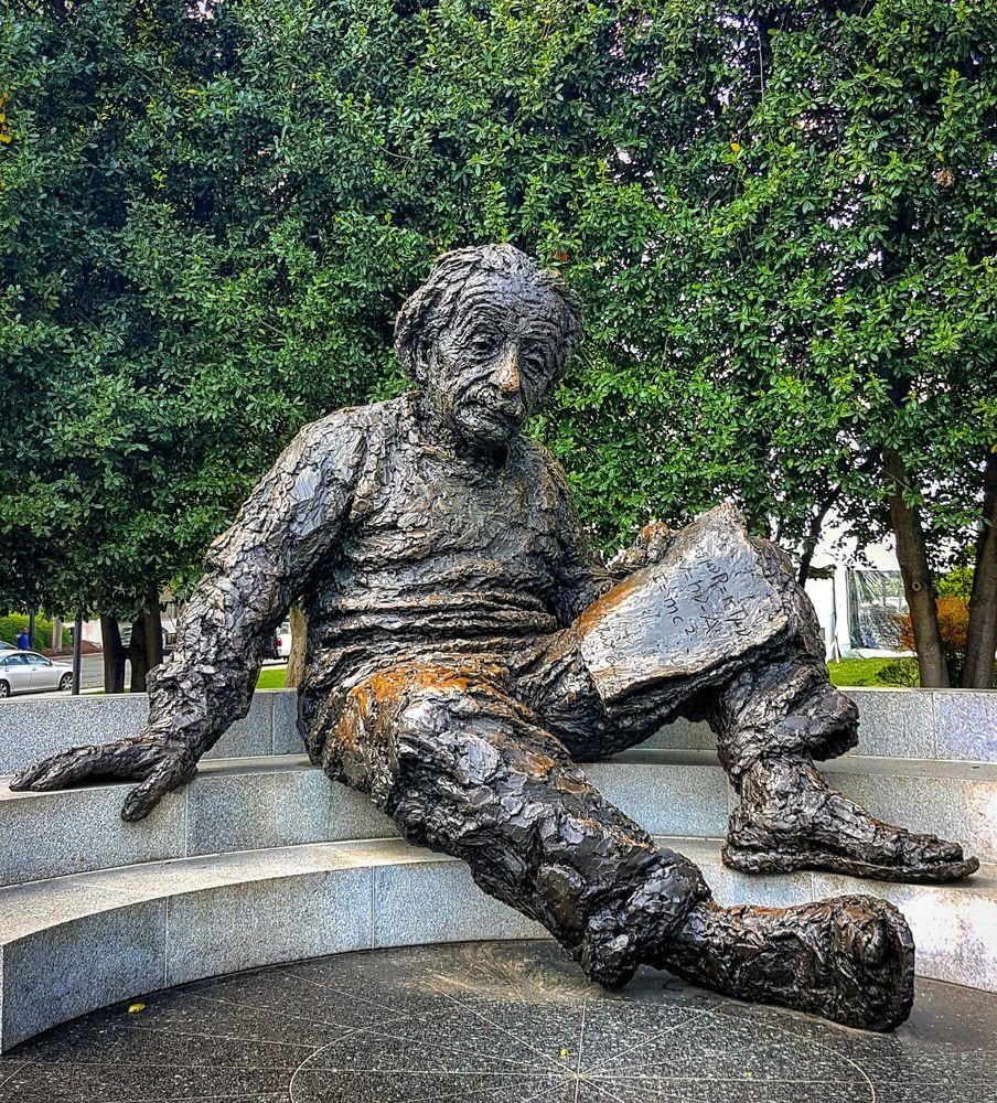 Albert Einstein Memorial: 2101 Constitution Ave NW, Washington, DC, DC
