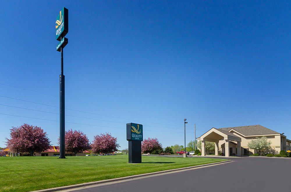 Quality Inn: 2225 N State St, Fairmont, MN