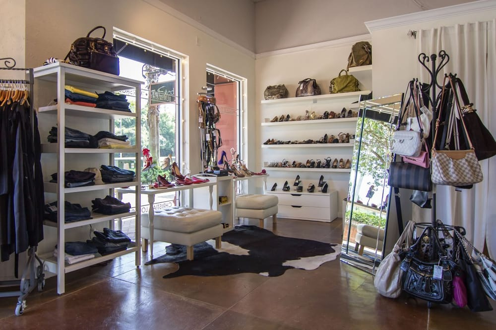 Couture Designer Resale Boutique: 10117 Montague St, Tampa, FL