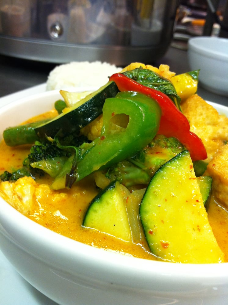 Four stars thai kitchen thai 1545 rte 52 fishklill for 7 star thai cuisine