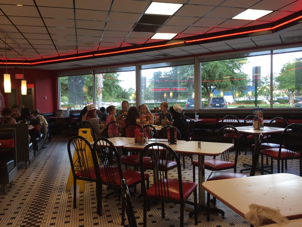 Dining area yelp for Steak n shake dining room hours