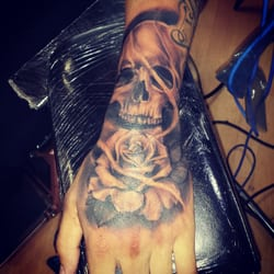 Jackie s tattoo and hair designs 140 photos tattoo for Best tattoo removal los angeles