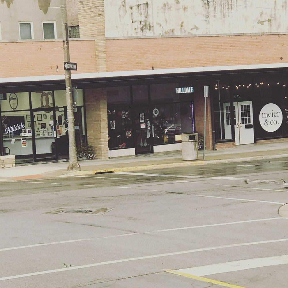 Hilldale Deli: 30 W Stephenson St, Freeport, IL