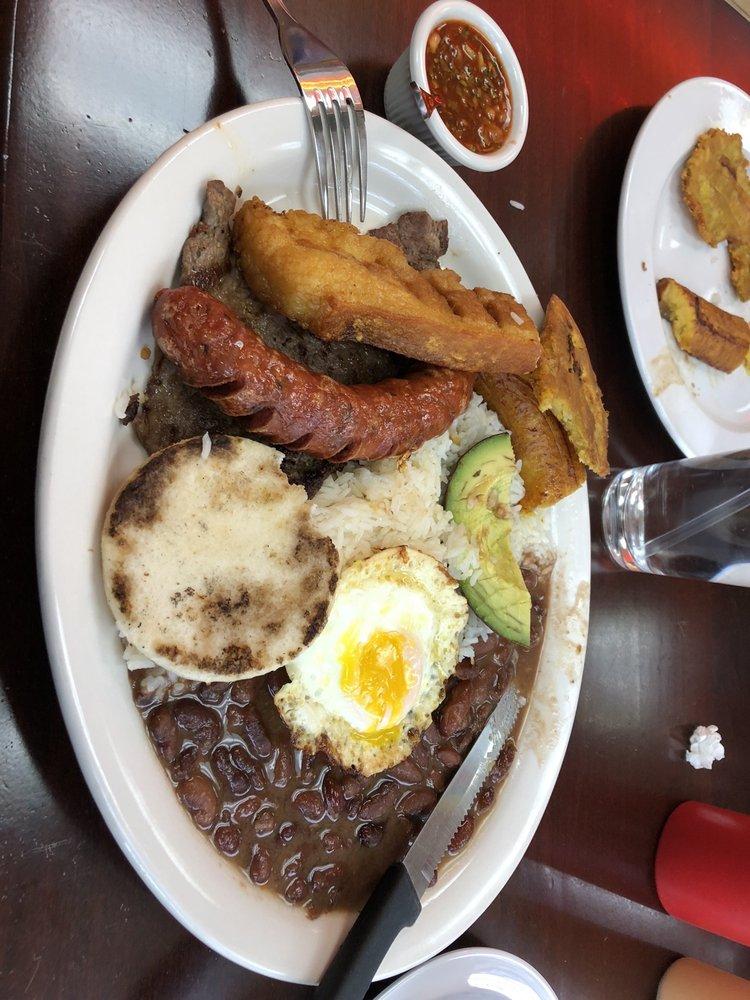 Mi Colombia Restaurante: 1568 Bell Rd, Nashville, TN