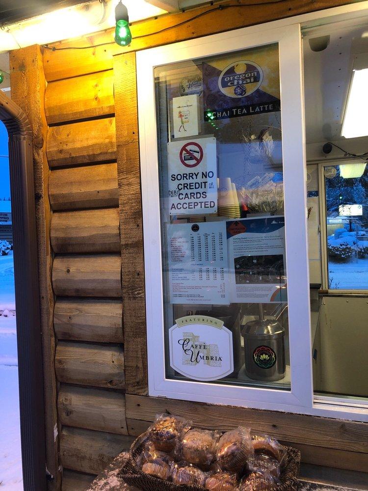 Southern Cross Espresso: 8825 Sr 525, Clinton, WA