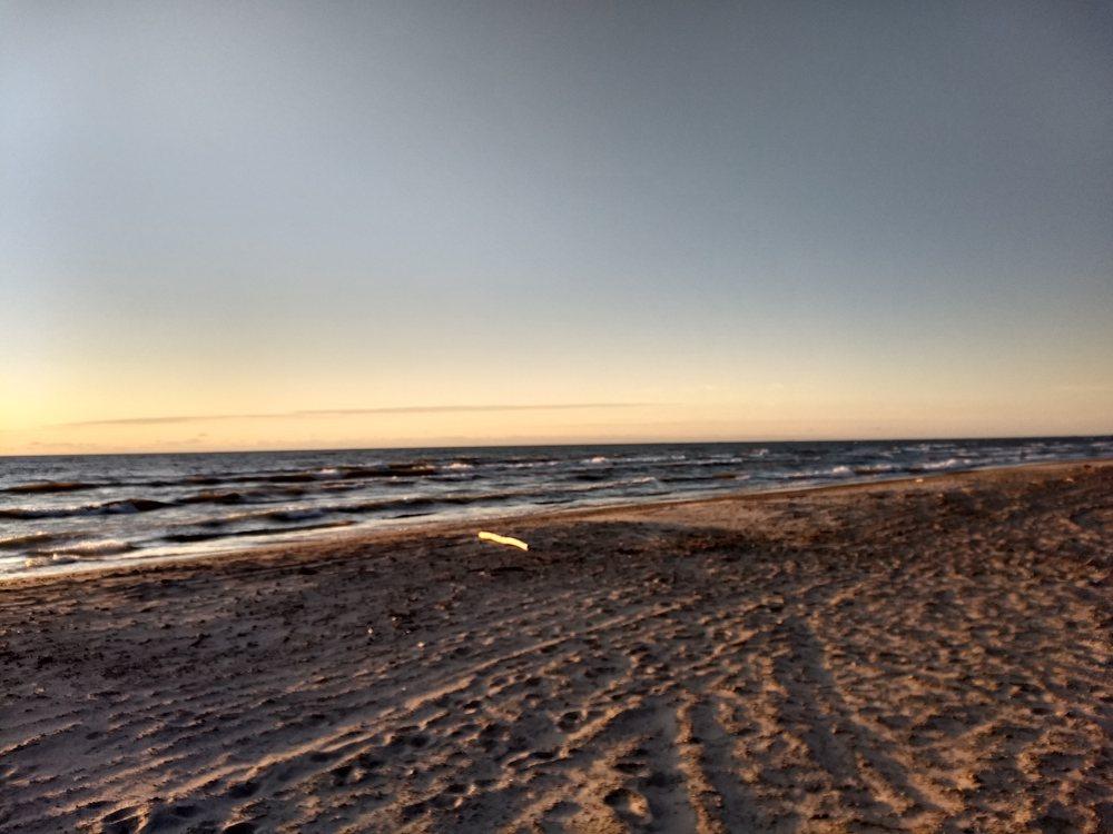 Bennett Beach: 8276 Lake Shore Rd, Angola, NY